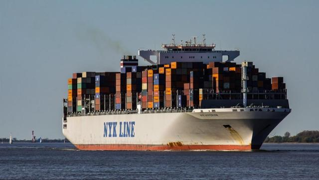 container-ship_0